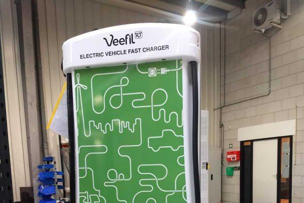 Veefil charger bestickering