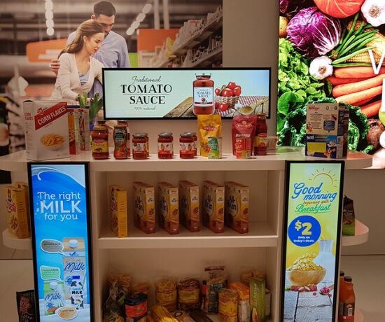 Digitale reclame oplossingen van horeca menukaarten, winkel aanbiedingen, product en branding videos tot bewegende digitale licht reclame.